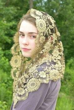 Golden girl, a stunning lace mantilla by Catholic Chapel Veils. http://lovingmantillas.blogspot.co.uk/