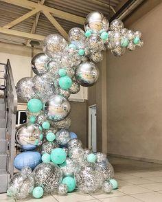 """Праздники 🎈 Декор 🎈 Шары on Instagram: """"Смотрите какой кайф будет завтра у юных гимнасток на выходе на ковёр 💎💎💎 ⠀ Расскажу немного предистории этого оформления 😋 ⠀ Вы из сториз…"""" Birthday Balloon Decorations, Balloon Centerpieces, Birthday Balloons, Birthday Party Themes, Balloon Arch, Balloon Garland, Deco Ballon, Balloons Galore, Balloon Installation"""