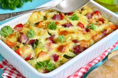 Summer is finally here! To celebrate we have the perfect summer vegetable Au gratin recipe for you. This makes an excellent side dish or can be a meal on its own. Healthy Living Recipes, Whole Food Recipes, Vegetarian Recipes, Healthy Food, Chorizo, Creative Snacks, Organic Recipes, Ethnic Recipes, Romanian Food