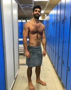 JustLifeStyle shared a photo from Flipboard Hairy Hunks, Hairy Men, Hot Poses, Muscle Boy, Muscular Men, Hairy Chest, Shirtless Men, Male Physique, Good Looking Men