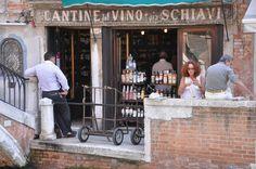 Eating cicchetti (Venetian tapas) in un bàcaro (e.g.   Cantinone gia' Schiavi - Ponte San Trovaso, Dorsoduro, Venezia)
