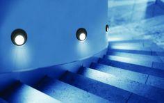 Lumini trepte, iluminat inteligent cu lampi PIR (senzor de miscare, senzor crepuscular).