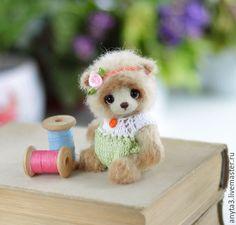 ♡ Купить Мишка (9 см.) - вязаная игрушка - бежевый, белый, оливковый