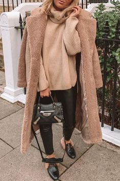 17 Trendy dress winter casual fashion ideas street styles Source by fashion street style Winter Mode Outfits, Winter Outfits Women, Winter Dresses, Fall Outfits, Casual Outfits, Dress Winter, Outfit Winter, Winter Wear, Skirt Outfits
