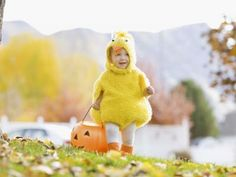 8 Ways to Pay It Forward This Halloween