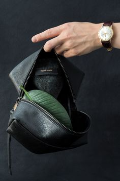 Sigrid Stöckl — Premium Leather Bags on Behance Creative Studio, Vintage Leather, Design Elements, Product Photography, Leather Bags, Inspiration, Behance, Manual, Style
