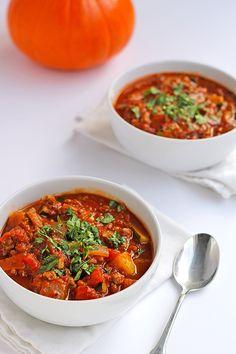 Paleo Pumpkin Chili Recipe. Grain-free, gluten-free, dairy-free, and perfect for fall.