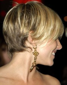 Sienna Miller Short Hair (back) keep it bottom short and stack till the rest of the hair catches to the same length Short Hair Back, Short Hair Updo, Girl Short Hair, Curly Hair Styles, Haircuts For Fine Hair, Straight Hairstyles, Girl Hairstyles, Short Haircuts, Funky Haircuts