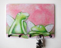 Sie suchen ständig ihre Schlüssel?  Sie lieben Kunzt?  Frösche sowieso?  Dann ist ein kunztvoll bedrucktes Schlüsselbrett genau das Richtige!    Di...