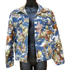 Women's cowboy print jacket Eisenhower crop Levi's style Size S / Small. By Carole Antone, circa 1990, this 100% cotton jacket is in mint condition.