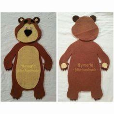 Resultado de imagem para masha e urso feltro Quiet Book Patterns, Felt Patterns, Bear Felt, Felt Stories, Masha And The Bear, Bear Costume, Bear Crafts, Felt Quiet Books, Bear Party