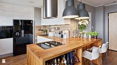 http://www.homebook.pl/artykuly/133/kuchnia-otwarta-na-salon-wady-i-zalety?utm_source=facebook.com