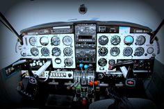 Piper Aztec cockpit