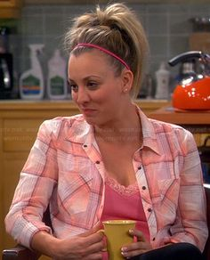 Penny�s orange/pink plaid shirt on The Big Bang Theory.  Outfit Details: http://wornontv.net/22108/ #TheBigBangTheory