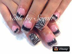 Zebra nails.. Love these