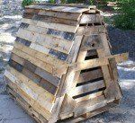 Dog house or chicken coop made with pallet material