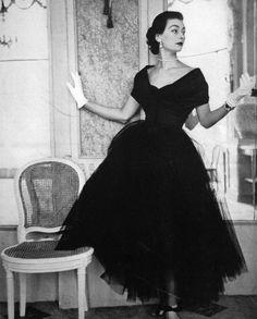1951 Vogue US via clover-vintage.tumblr.com