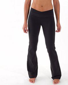 lulu lemon Astro Pant (black) WANT Dress Yoga Pants, Women's Pants, Sporty Outfits, Fashion Outfits, Best Yoga Clothes, Tall Pants, Lululemon Pants, Get Skinny, Lulu Lemon