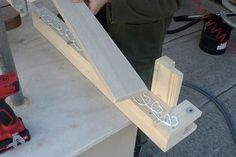 Table Saws Homemade Table Saw Fence System Woodworking Projects That Sell, Woodworking Techniques, Woodworking Bench, Diy Wood Projects, Woodworking Tools, Cardboard Furniture, Art Furniture, Furniture Design, Table Saw Fence