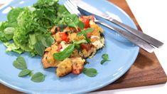 Nanna Rintala kokkaa Makujen aamussa meheviä ja raikkaita italialaisia makuja: Bruschetta-broileria uunissa. Kokeile kotikeittiössä tätä helppoa reseptiä! Bruschetta, Meat, Chicken, Lifestyle, Food, Essen, Meals, Yemek, Eten