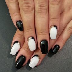 Nageldesign Schwarz und Weiß
