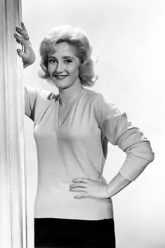 A look at the comedy career of the vastly underrated Liz Fraser. Classic Actresses, British Actresses, British Actors, British Celebrities, Comedy Actors, Tv Actors, Actors & Actresses, Comedy Film, Barbara Windsor