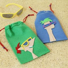Phineas and Ferb Felt Sunglasses Case - Neat idea for an activity/favor all in one!  Could also put candy in these to use as goodie bags for the children to take home; once there they would swap out for their sunglasses.