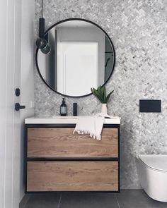 Shower Storage, Shower Shelves, Bathroom Interior Design, Interior Design Living Room, Home Design, Small Bathroom, Master Bathroom, Bathrooms, Bathroom Flooring
