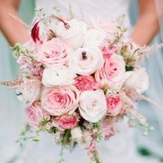 http://d2rb87q5bssqi7.cloudfront.net/sites/default/files/imagecache/preview250x250/pink-ombre-bridal-bouquet.jpg