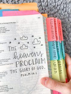 Bible Drawing, Bible Doodling, Bible Study Notebook, Bible Study Journal, Bible Journaling For Beginners, Cute Bibles, Bibel Journal, Jesus Bible, Bible Notes