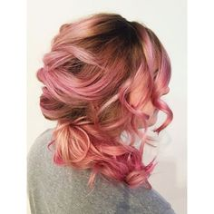 Awesome 13 Rose Gold Bayalage Hair Ideas https://fazhion.co/2017/12/24/13-rose-gold-bayalage-hair-ideas/ 13 Rose Gold Bayalage Hair Ideas to get you inspired and ready for the newest and the most trendy hair look for the love of 2018