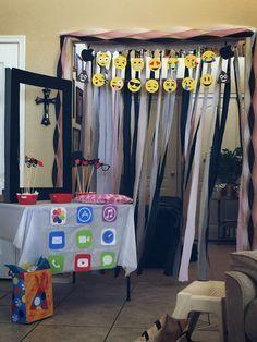 Emoji/iPad birthday party decorations