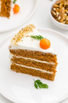 This gluten-free carrot cake is perfectly spiced, fluffy and doesn't taste at all gluten-free! Nobody will miss the gluten in this cake. If you're looking for the perfect Easter dessert, this gluten-free carrot cake is the recipe for you! Gluten Free Birthday Cake, Gluten Free Carrot Cake, Healthy Carrot Cakes, Gluten Free Cupcakes, Gluten Free Sweets, Gluten Free Baking, Healthy Food, Healthy Recipes, Baking Recipes