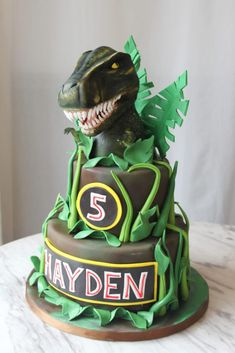 Twin Birthday Cakes, Halloween Birthday Cakes, Dinosaur Birthday Cakes, Dinosaur Cake, 6th Birthday Parties, Dinosaur Party, Jurassic World Cake, Jurassic Park Party, Dino Cake