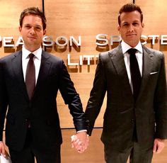 """""""Suits"""" centers on a fast-paced Manhattan corporate law firm led by legendary lawyer Harvey Specter (Gabriel Macht), his intelligent but delicate partner, Louis Litt (Rick Hoffman), and secretary-turned-COO Donna Paulsen (Sarah Rafferty). Trajes Harvey Specter, Harvey Specter Suits, Suits Harvey, Mike Harvey, Gabriel Macht, Serie Suits, Suits Tv Series, Suits Show, Suits Tv Shows"""
