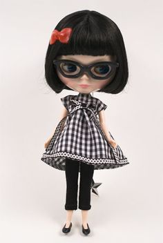 Aww. I can't help myself. Blythe is the American Girl dream of my adulthood.
