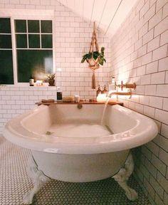 I love this interior design! It's a great idea for home decor. Home design. Decoration Design, Deco Design, Design Trends, Design Design, Design Ideas, Design Inspiration, Dream Bathrooms, Beautiful Bathrooms, Bathtub Dream