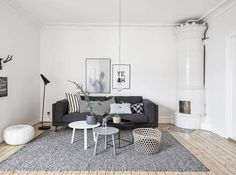 Find your favorite Minimalist living room photos here. Browse through images of inspiring Minimalist living room ideas to create your perfect home. Home Interior, Living Room Interior, Interior Design, Interior Livingroom, Modern Interior, Living Room Inspiration, Home Decor Inspiration, Decor Ideas, Decorating Ideas