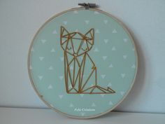 Tambour / cercle à broder, cadre rond renard doré origami : Décorations murales par feliz