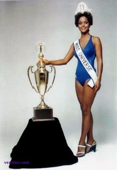 Miss Universo 1977 - Janelle Comissiong - Trinidad & Tobago