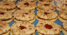 Hozzávalók a tésztához:  30 dkg liszt  20 dkg margarin  10 dkg porcukor  fél tasak sütőpor  1 tasak vaníliás cukor  1 tojás sárgája  1 kiseb... Cookies, Dios, Crack Crackers, Biscuits, Cookie Recipes, Cookie, Biscuit