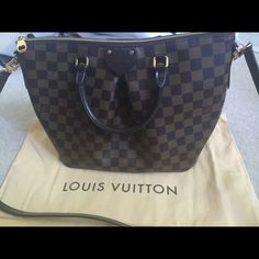 c09463d7c60b Louis Vuitton Sienna MM Excellent condition, authentic LV purse. Hardly  used. NO TRADES