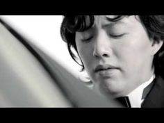 Yundi Li - Chopin Noc. No. 2. Li's debut in the United States took place in June 2003 at Carnegie Hall, as part of Steinway and Sons' 150th Anniversary Gala. His United States concerto debut took place the next month, when he performed Chopin's Piano Concerto No. 1. He was also honoured at a special reception at the home of the Chinese Ambassador to the United States, where he performed for various officials of the U.S. State Department.