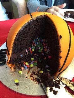 Basketball piñata cake