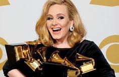 """""""Nunca acreditei que precisava ser magra para fazer sucesso""""- Adele.  Que sirva de exemplo!! Tenha uma vida saudável, mas perder peso deve ser consequência, e não o objetivo. Ser gordinha não te faz menos bonita ou menos incapaz do que as outras pessoas"""