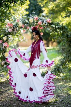 Trajes de flamenca 2019. Colección 2019. Sueña Primaveras Clothing Patterns, Dress Up, Victorian, Costumes, Clothes, Fashion, Log Projects, Party Dresses, Gowns