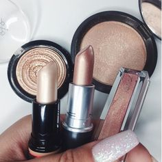 For all our beauty queens out there, all gold everything! We love makeup and dressing up from our everyday lives!
