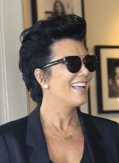 Love Kris Jenner's short hair do!