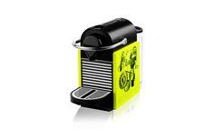 Photographie en studio d'une machine à café Nespresso – Non Classé – Lumiprod… Machine Nespresso, Cafe Nespresso, Coffee Maker, Kitchen Appliances, Studio, Design, Product Photography, Coffee Maker Machine, Diy Kitchen Appliances