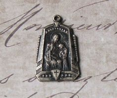 Rare Saint Ann Holy Mother Of Mary Art Deco Medal Patron Saint Of Mothers, Housewives, Pregnant Women (Especially Those In Labor), & Minors